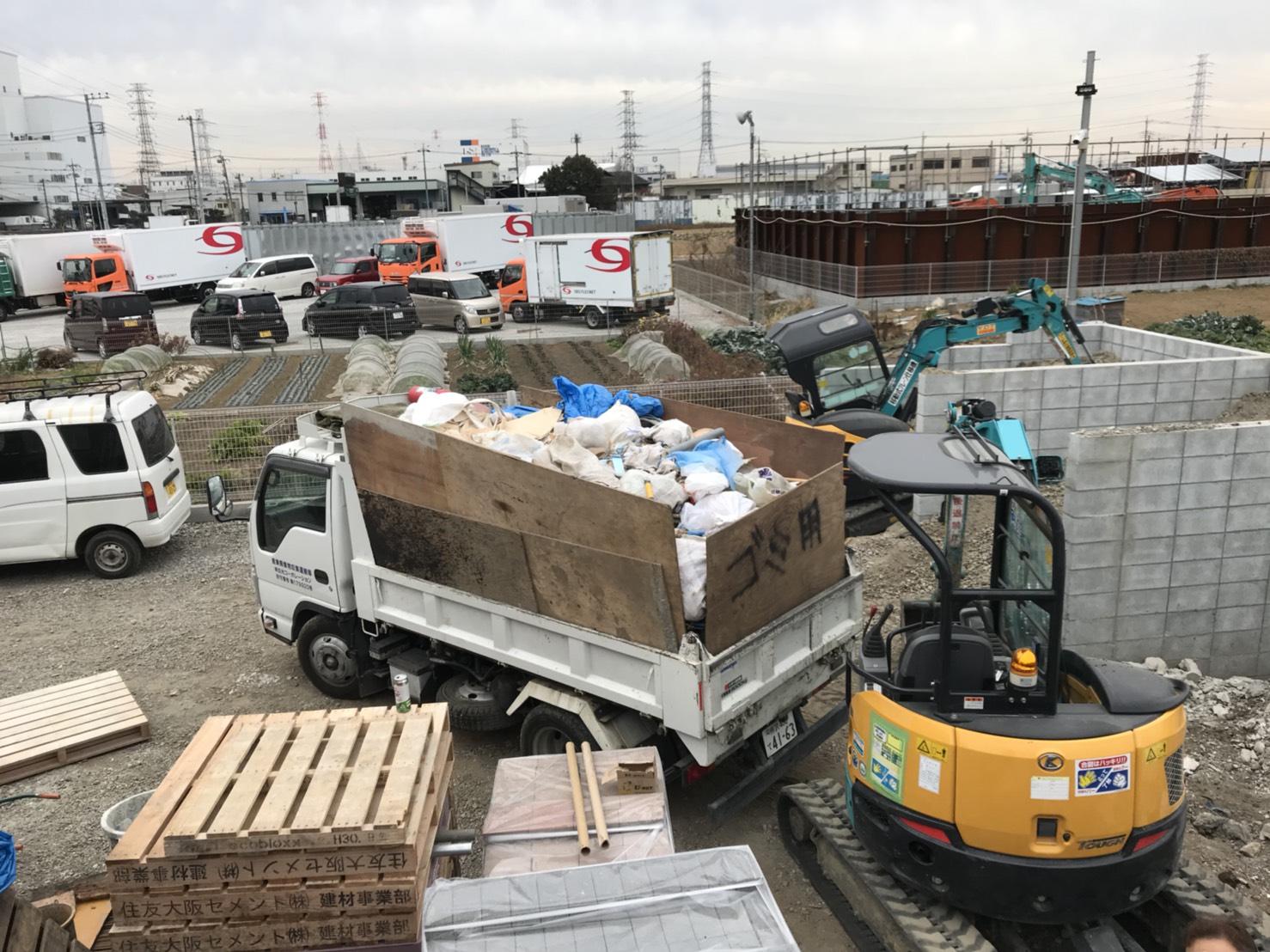 ゴミ収集積込み